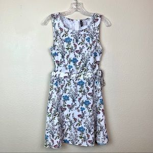 🔥5 for 30 H&M White Floral Dress